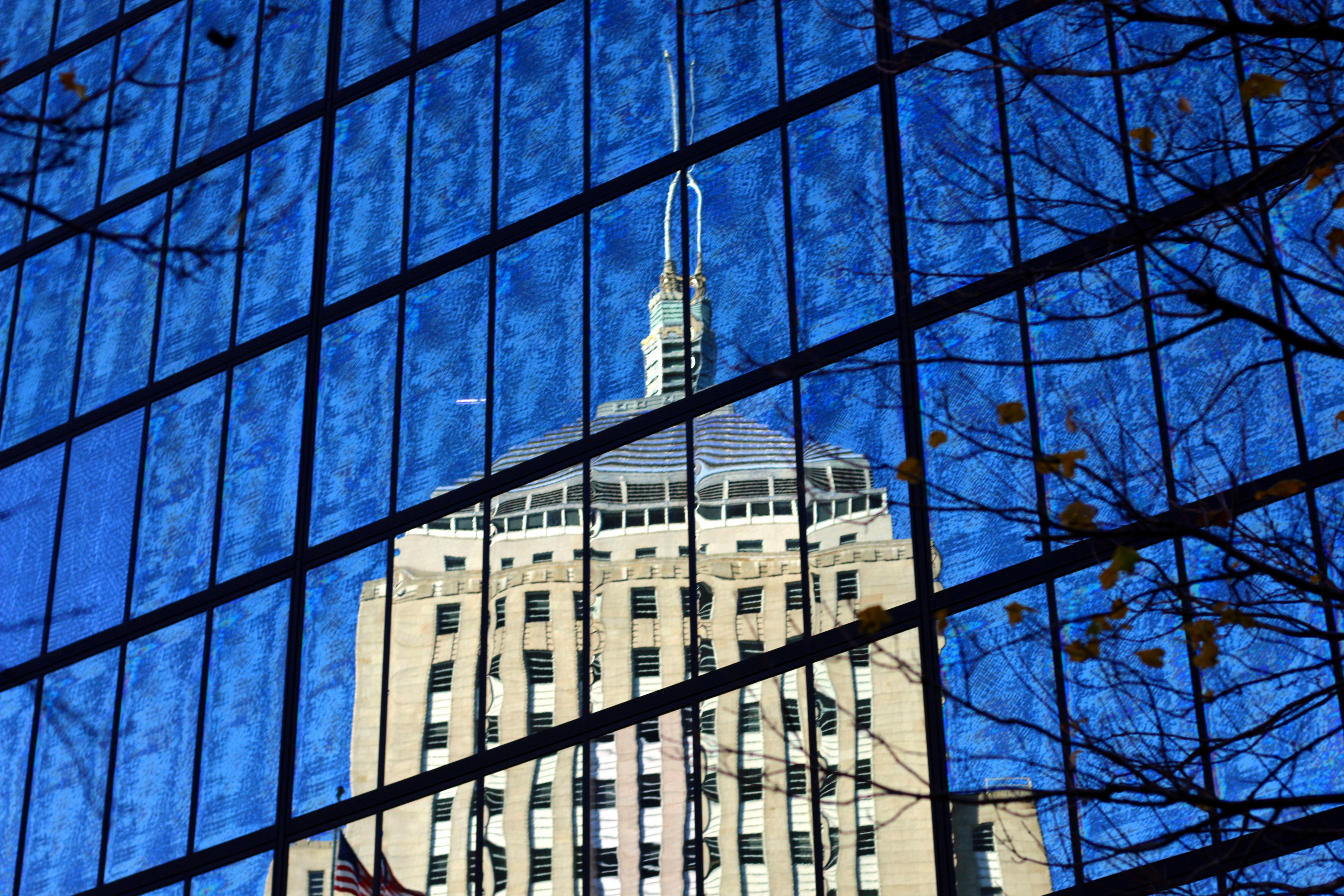 Fed spejling i Hancock Tower (bygningen ligger bag mig). De sjove ting i vinduet, skyldes det filter jeg har på linsen, det ser ret fedt ud!